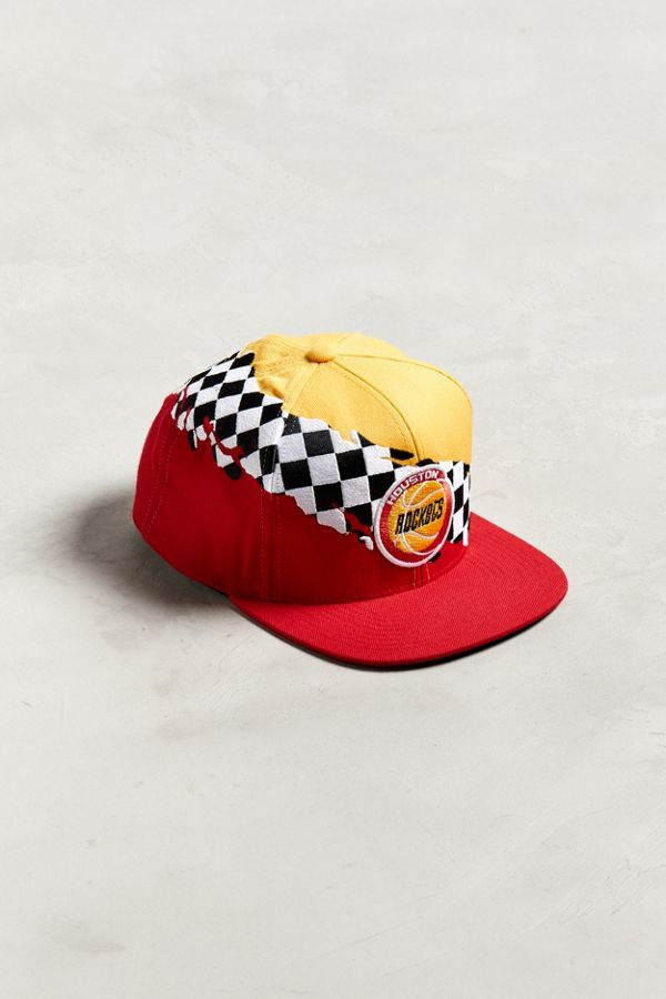 competitive price 9086d 398de Mitchell   Ness Houston Rockets Checkered Snapback Hat   Urban ...