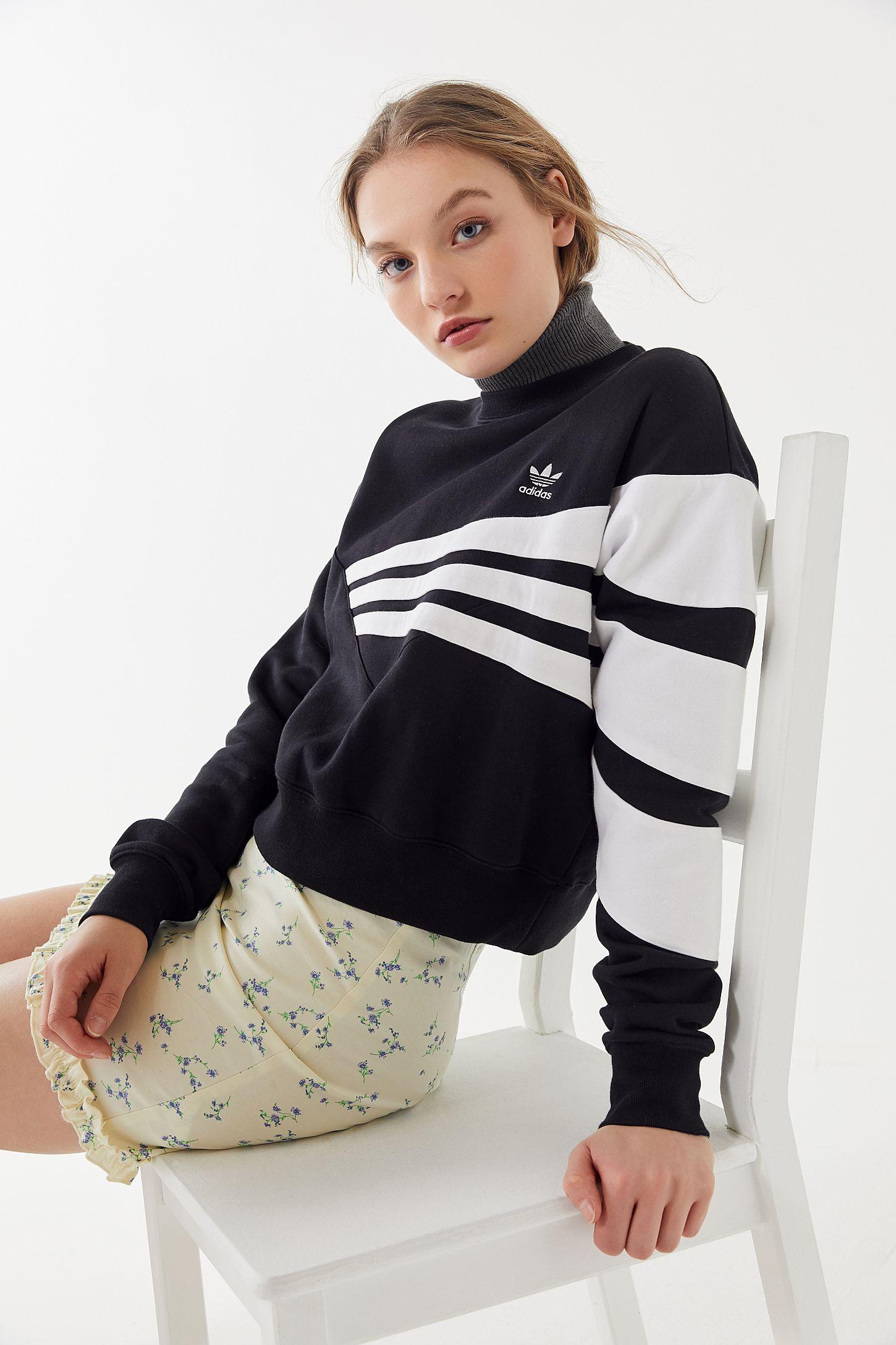 d9a61c1b746 adidas Geometric 3-Stripes Cropped Sweatshirt | Urban Outfitters Canada