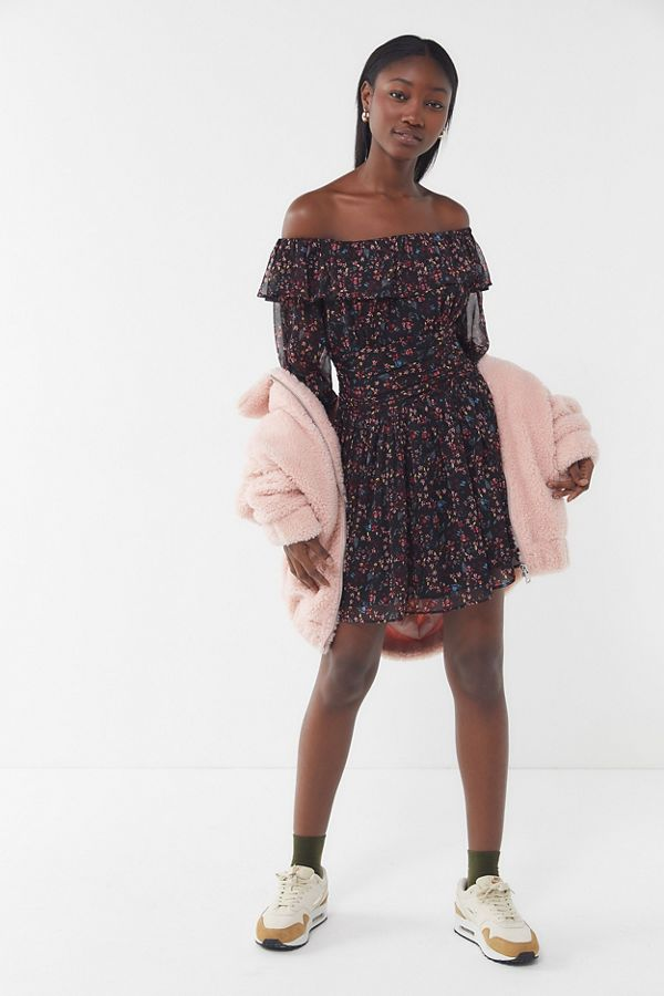 bf0d386afcd5 UO Elaine Floral Off-The-Shoulder Mini Dress | Urban Outfitters