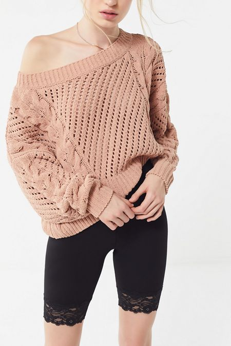 f967d040103 UO Rosie Oversized Plush Knit Sweater