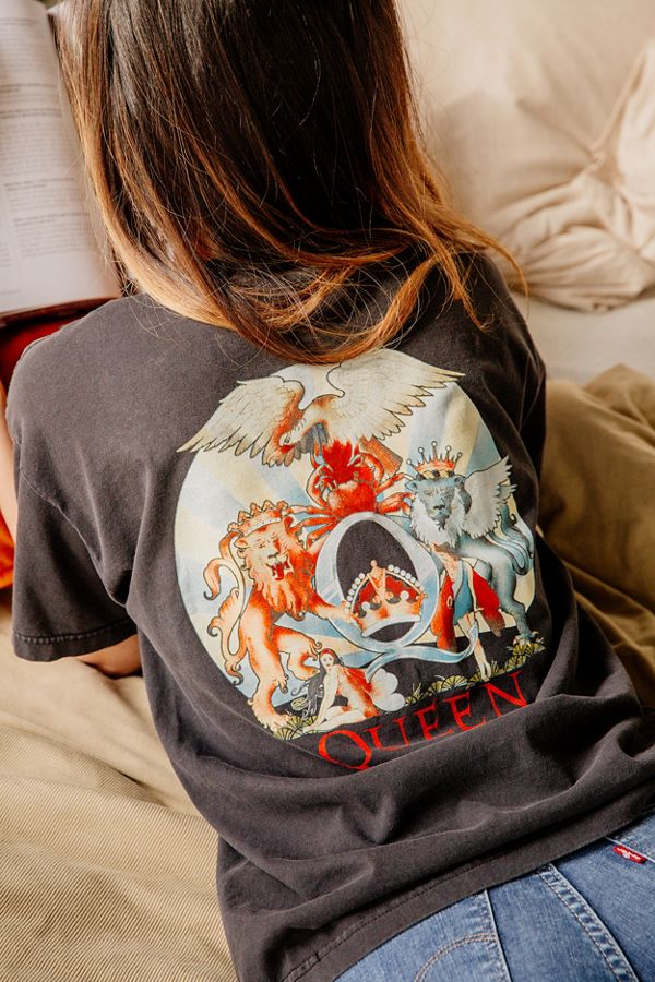 6a9c88da Day Queen Tee | Urban Outfitters