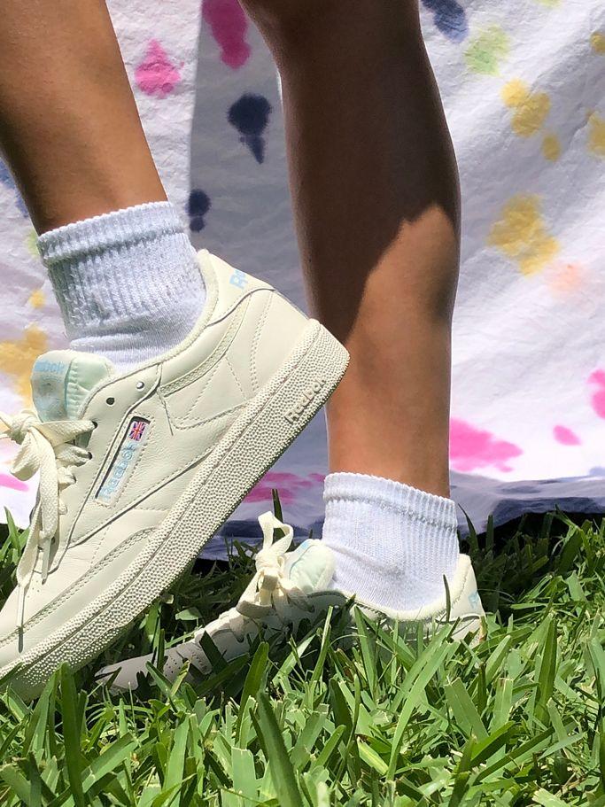 Humanista En detalle en frente de  Reebok UO Exclusive Club C 85 Vintage Sneaker | Urban Outfitters
