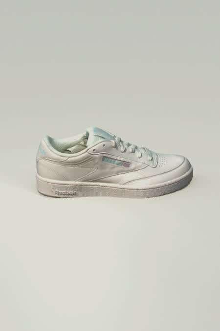 f13cf1adaac Reebok UO Exclusive Club C 85 Vintage Sneaker