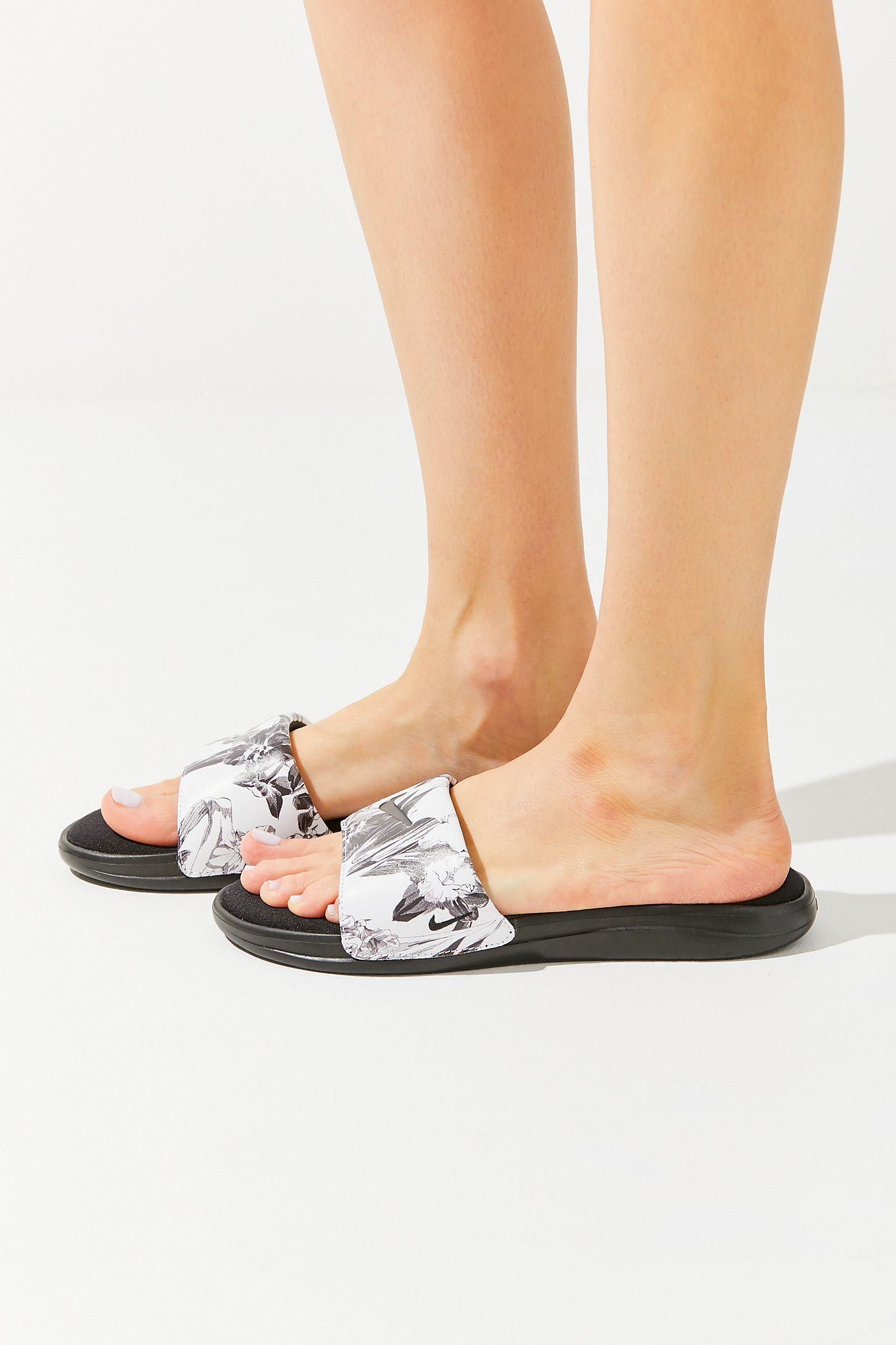 sports shoes b0c08 e9e30 Slide View  5  Nike Ultra Comfort 3 Floral Slide Sandal