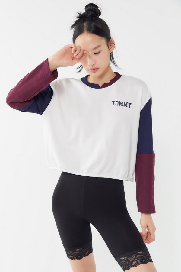 ffd003c4 Tommy Hilfiger Colorblock Pullover Sweatshirt | Urban Outfitters Canada
