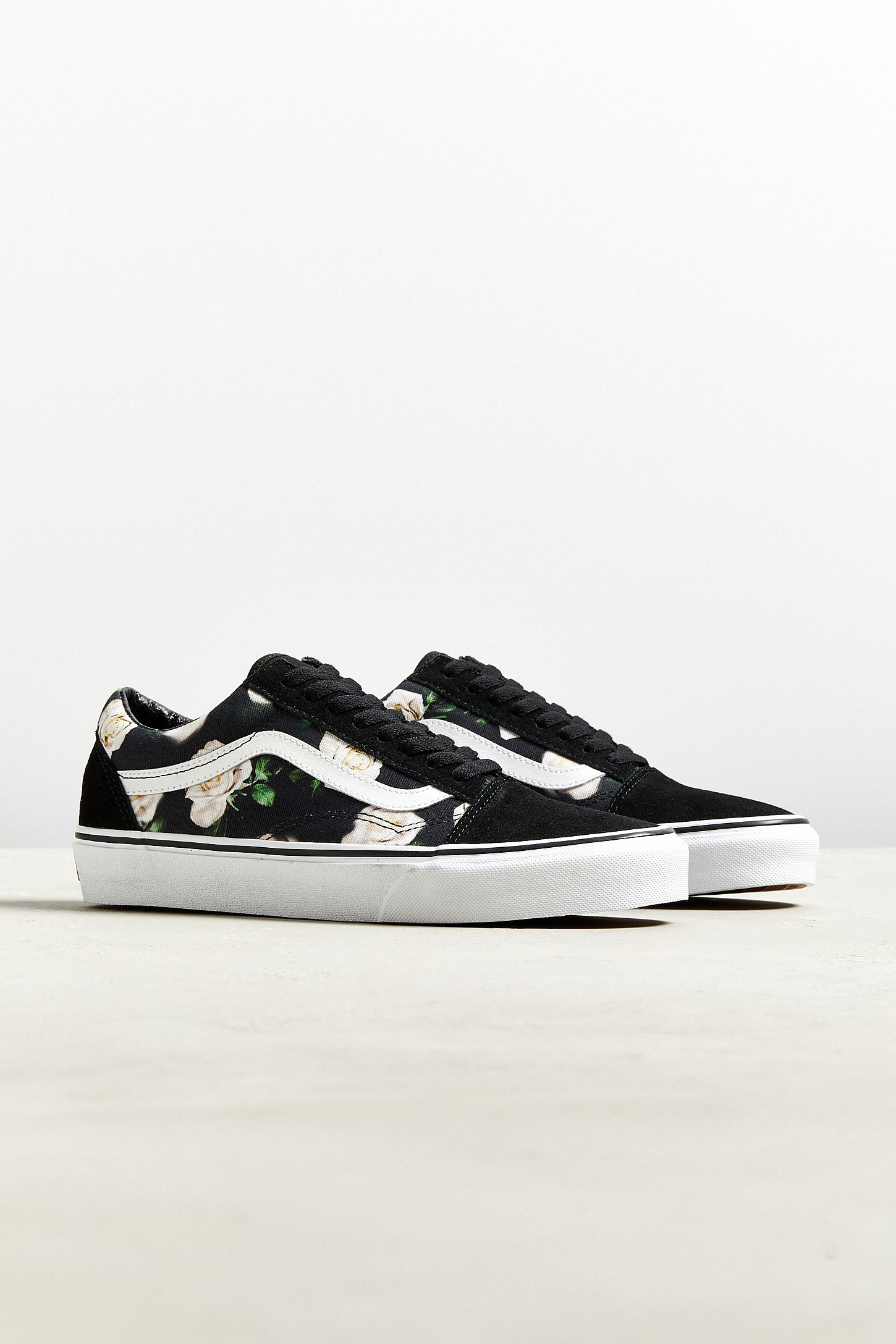 48ac65b6266e Vans Old Skool Romantic Floral Sneaker | Urban Outfitters