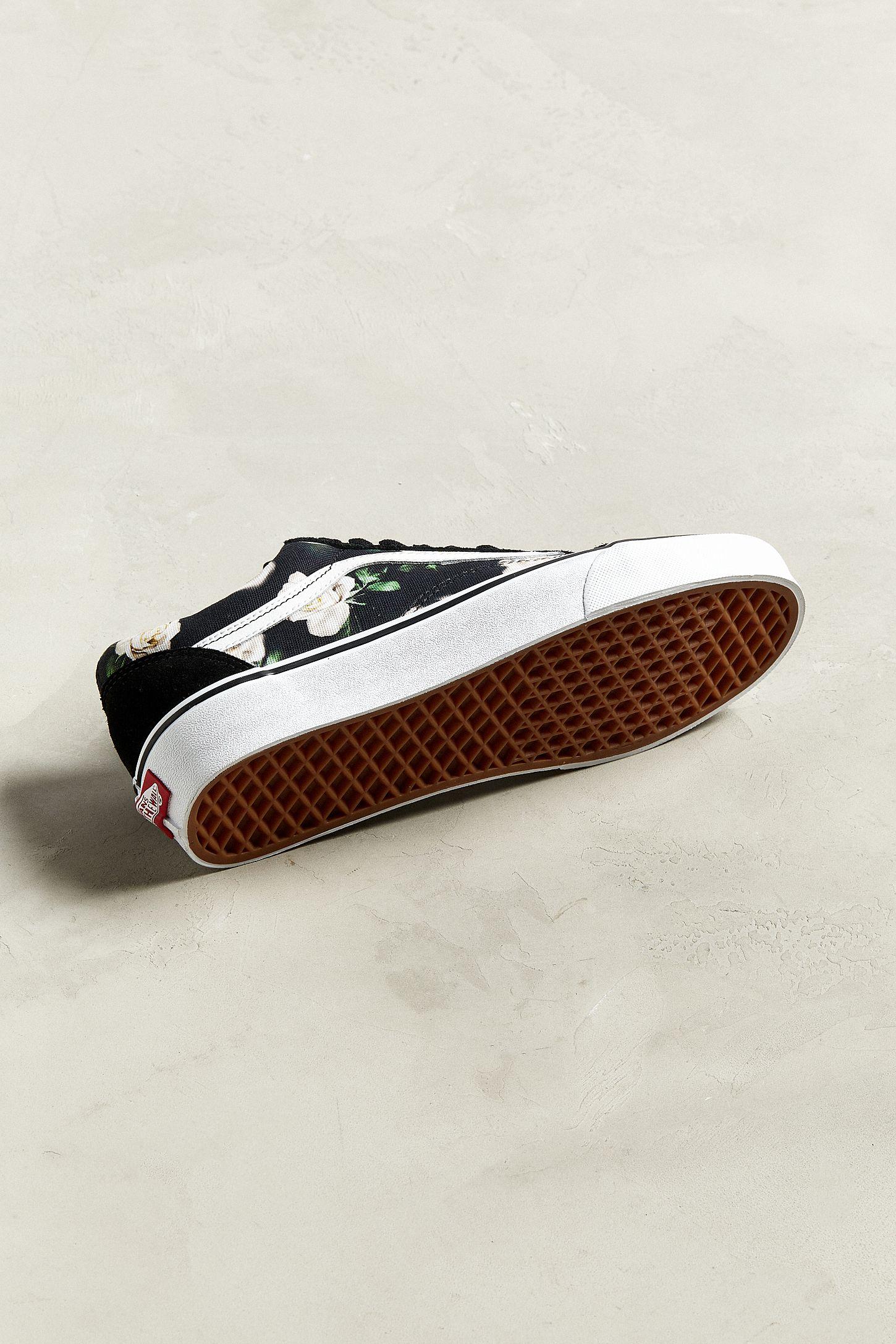 cdd83c4c8747 Slide View  6  Vans Old Skool Romantic Floral Sneaker