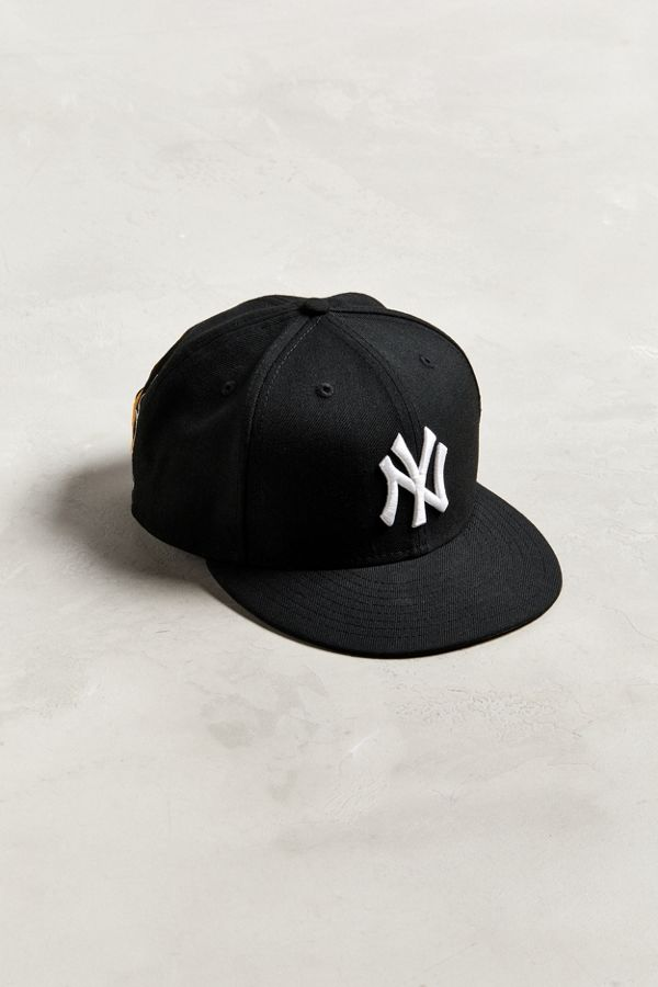 17a6ff0ccc3 New Era X Basquiat New York Yankees Empire Snapback Hat
