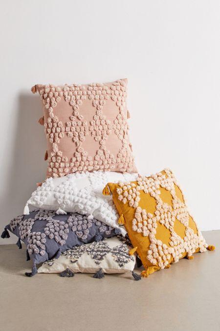 Floor Pillows + Fleece Throws  e2bfd97c48