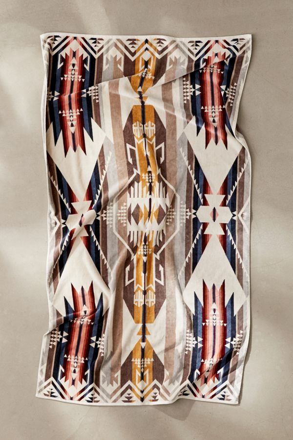 Slide View: 1: Pendleton White Sands Oversized Beach Towel