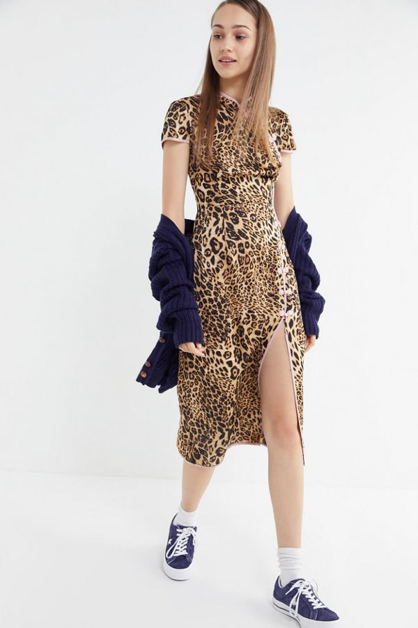 9df95d30c4e7 UO Leopard Print Mock-Neck Midi Dress | Urban Outfitters