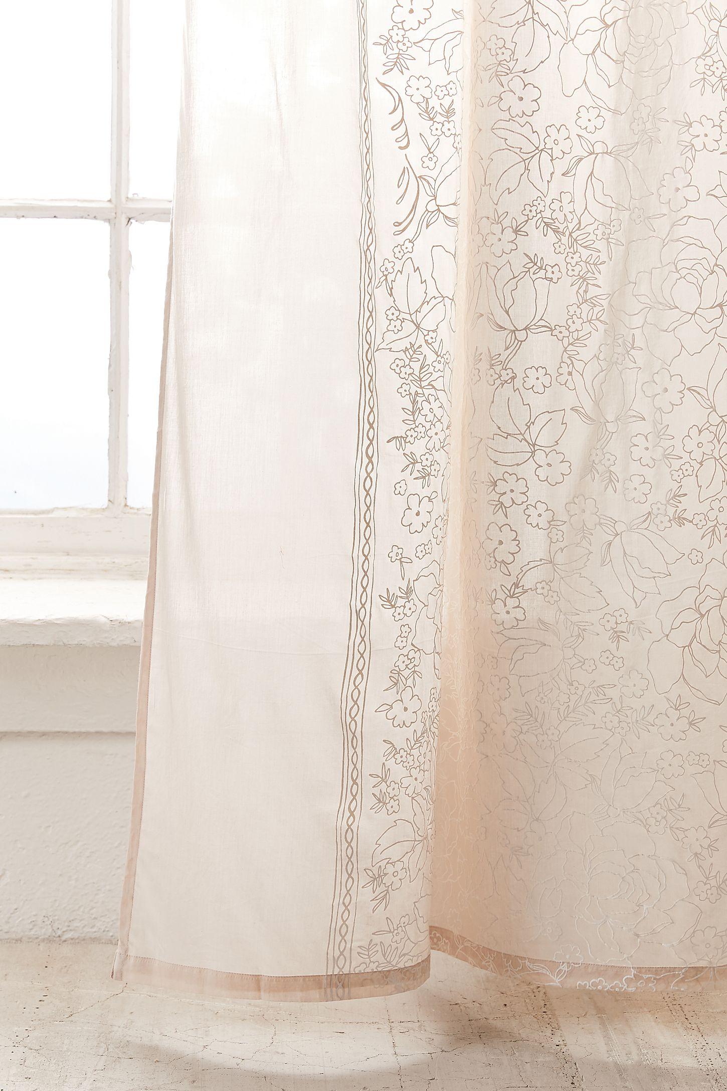 Panneau Pour Fenêtre Fleuri Jessa Urban Outfitters Canada