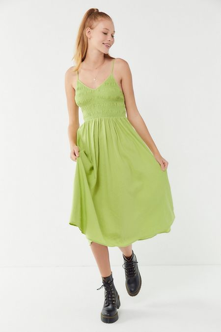 b1906f1d691 UO Ember Smocked Midi Dress