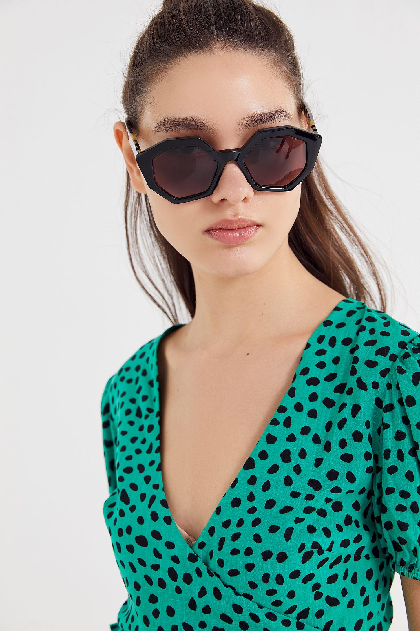 89ff65bea1e4 Pared Eyewear Sole + Mare Oversized Sunglasses   Urban Outfitters Canada