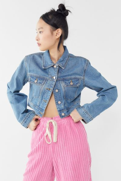 BDG Tegan Denim Cropped Trucker Jacket
