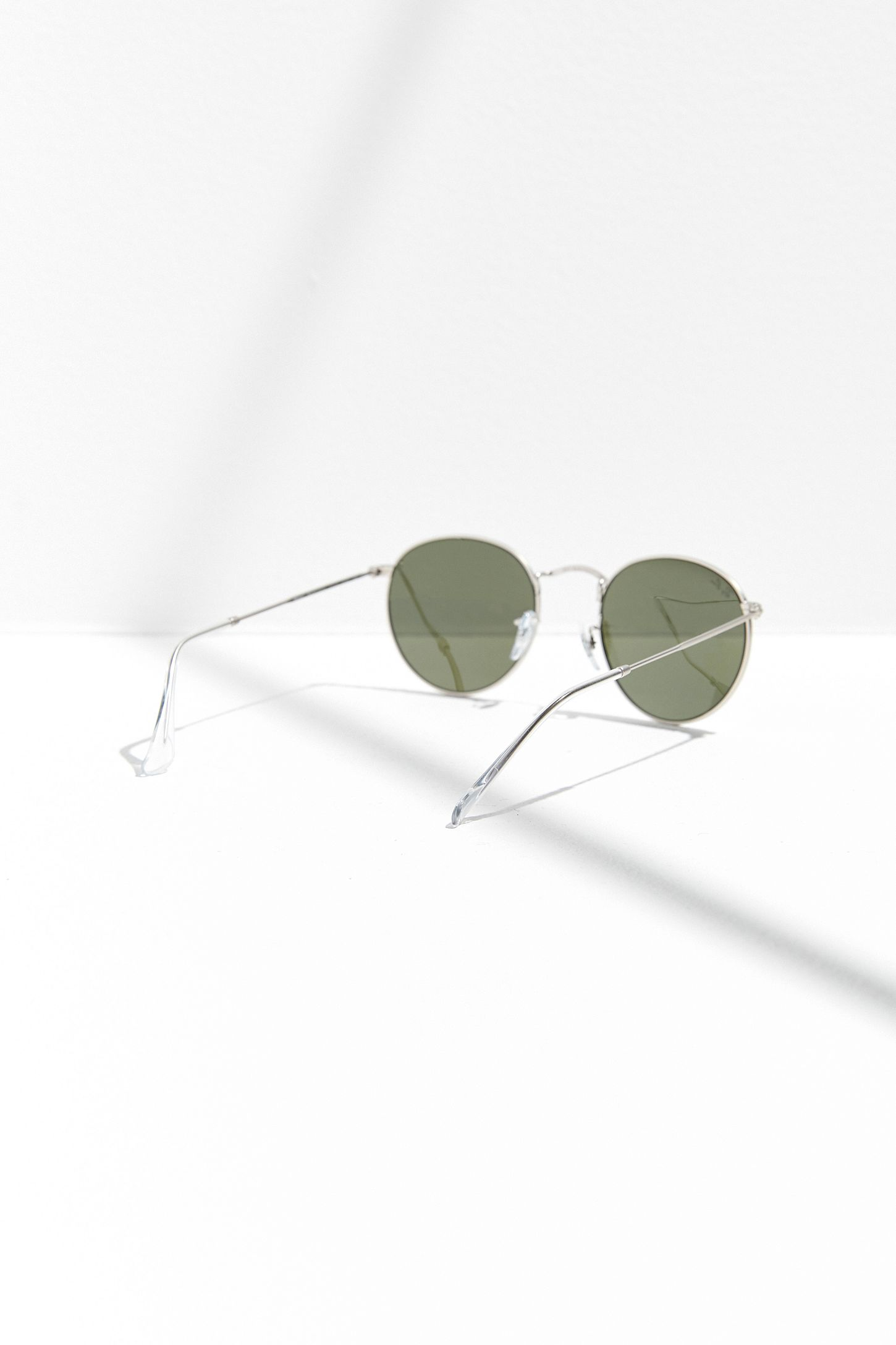 9876b5ec1f34 Ray-Ban Round Flash Sunglasses   Urban Outfitters