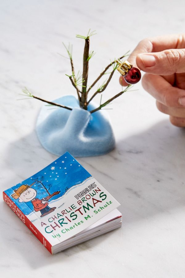 A Charlie Brown Christmas Book.A Charlie Brown Christmas Kit Book Tree Kit By Charles M Schulz