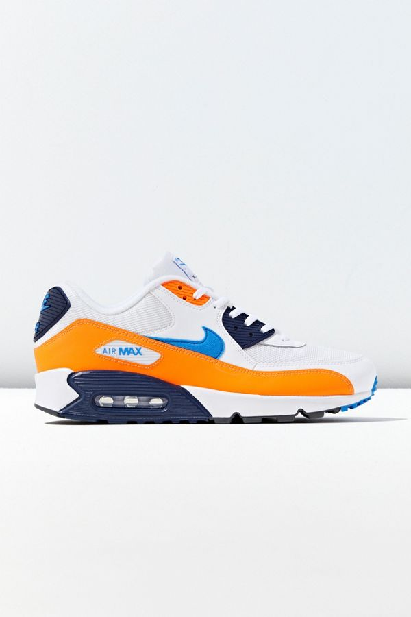 huge selection of b2511 7f27c Nike Air Max 90 Essential Sneaker