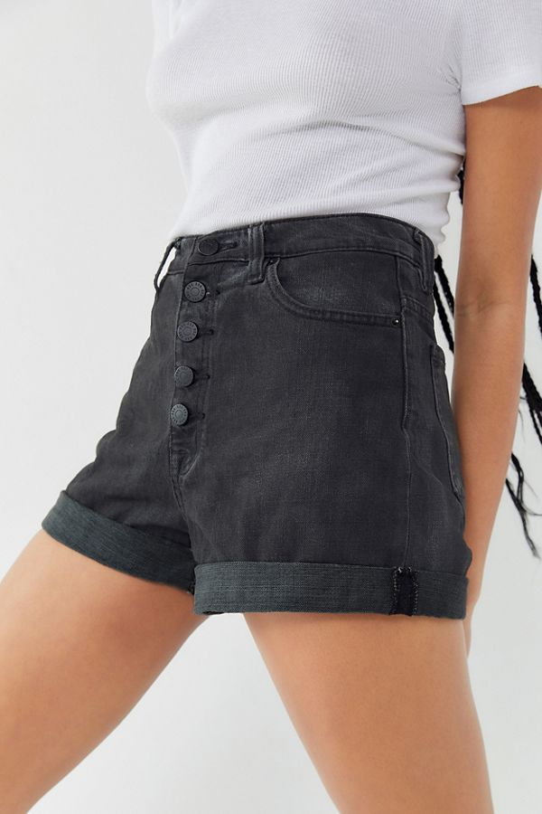 Slide View  1  BDG Denim High-Rise Mom Short – Black 6b4a73917c4
