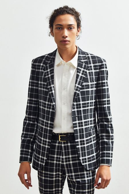 87ec4cbc7062 UO Plaid Skinny Fit Single Breasted Suit Blazer