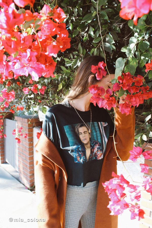 fed883056 Romeo + Juliet Cropped Tee | Urban Outfitters