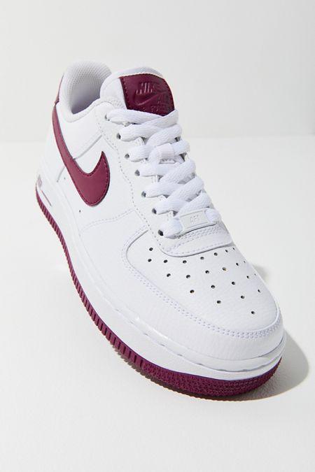 45a248e304924 Nike Air Force 1  07 Sneaker