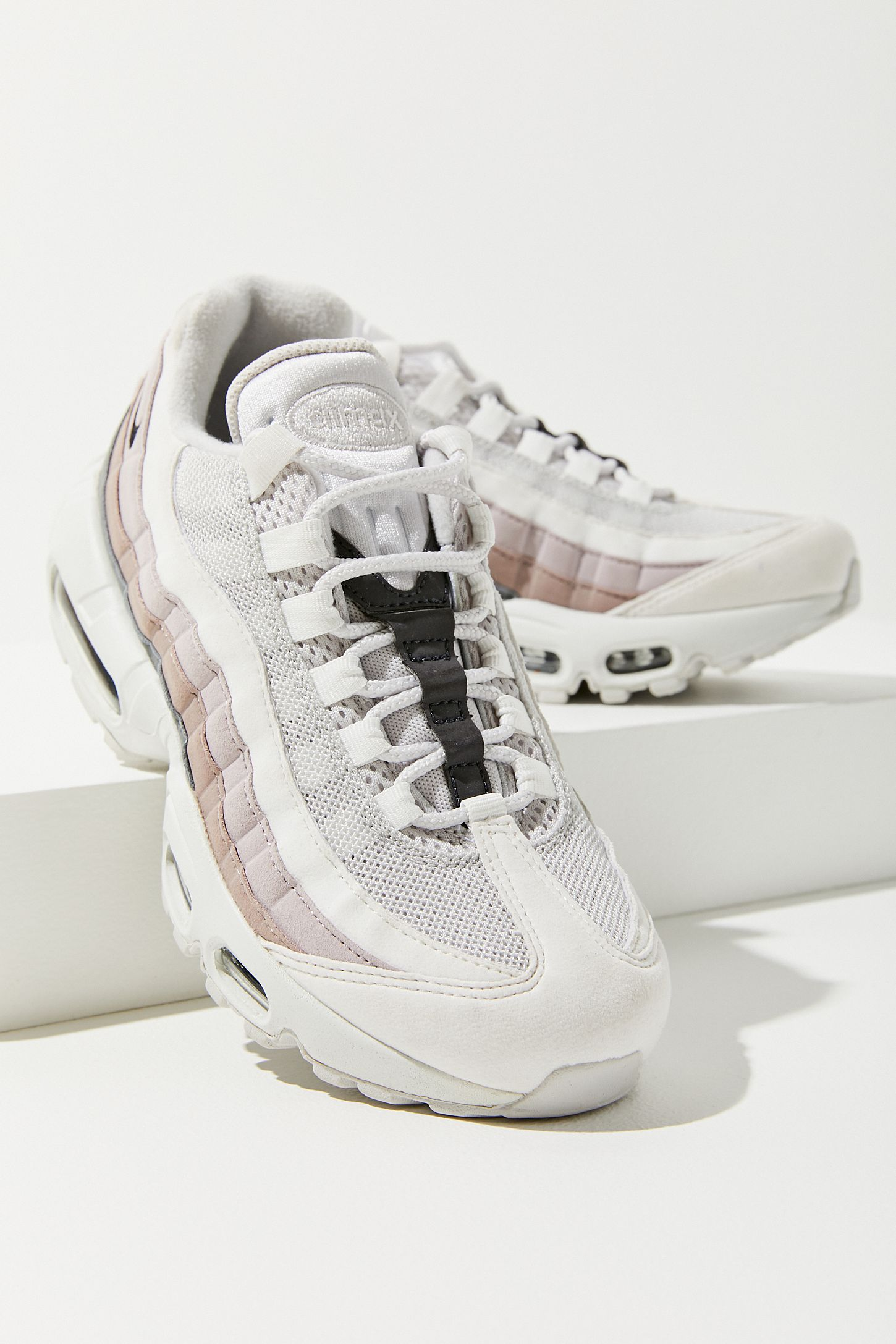Nike Lifestyle Shoes Outlet Online Womens Nike Air Max 95