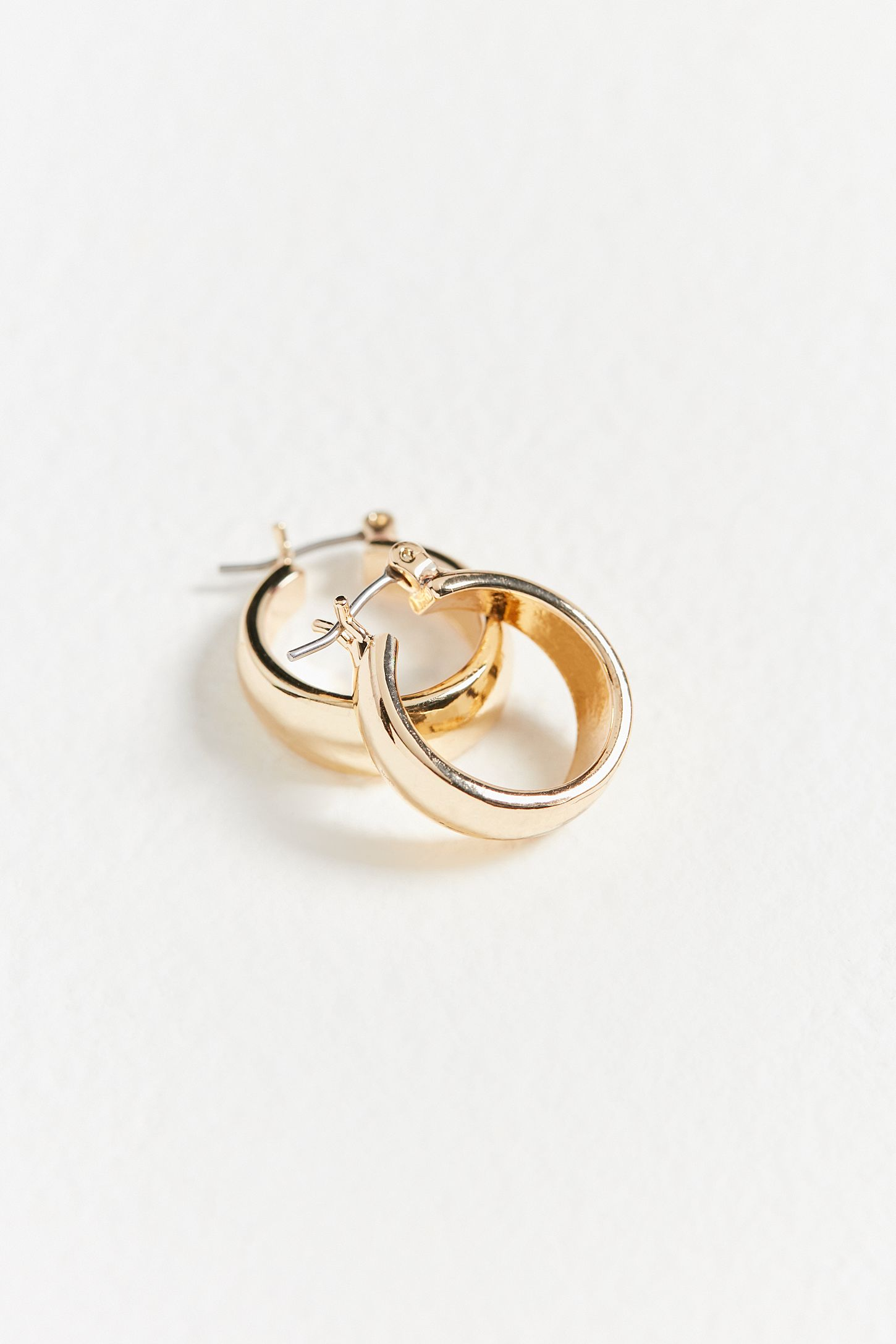 cab973816695d9 Gia Chunky Hoop Earring | Urban Outfitters