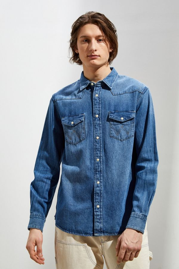b0c46b1faf Wrangler Icons Washed Denim Western Button-Down Shirt | Urban Outfitters