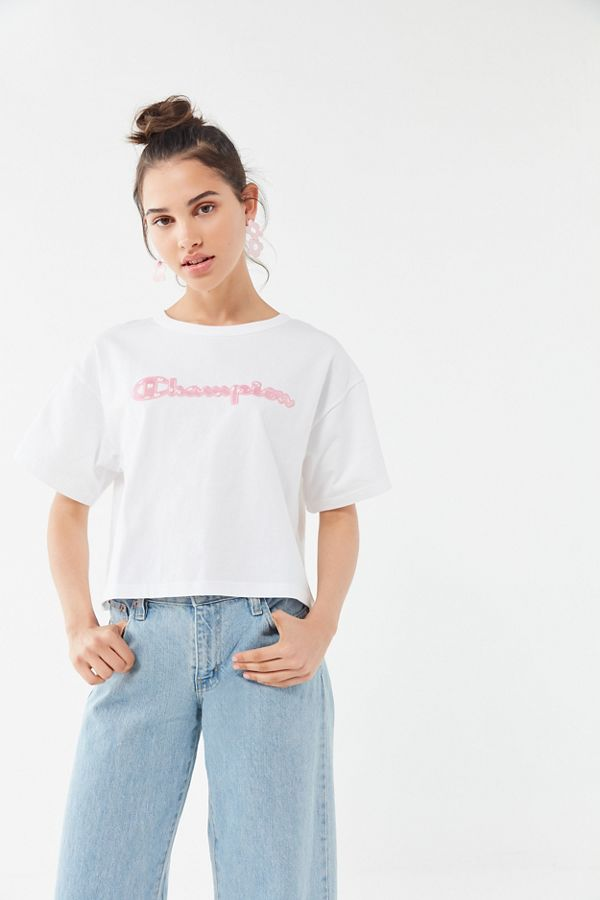 f394f876332c Champion UO Exclusive Daisy Logo Tee   Urban Outfitters