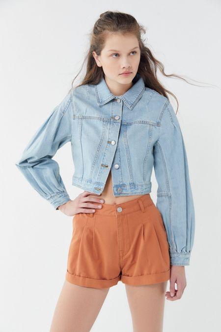 3a01d75180 UO Pleated High-Rise Trouser Short