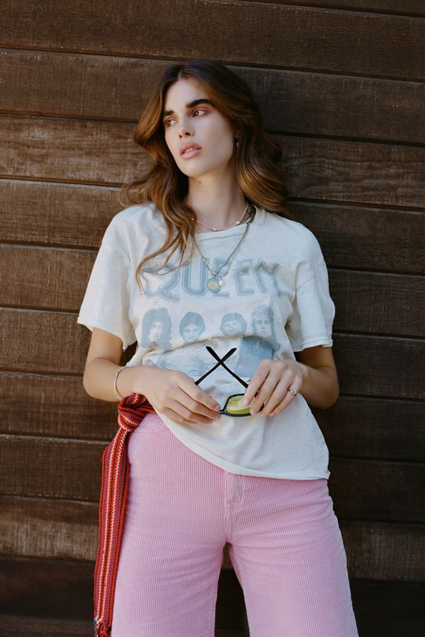 6f28cea6f Queen Band Tee | Urban Outfitters