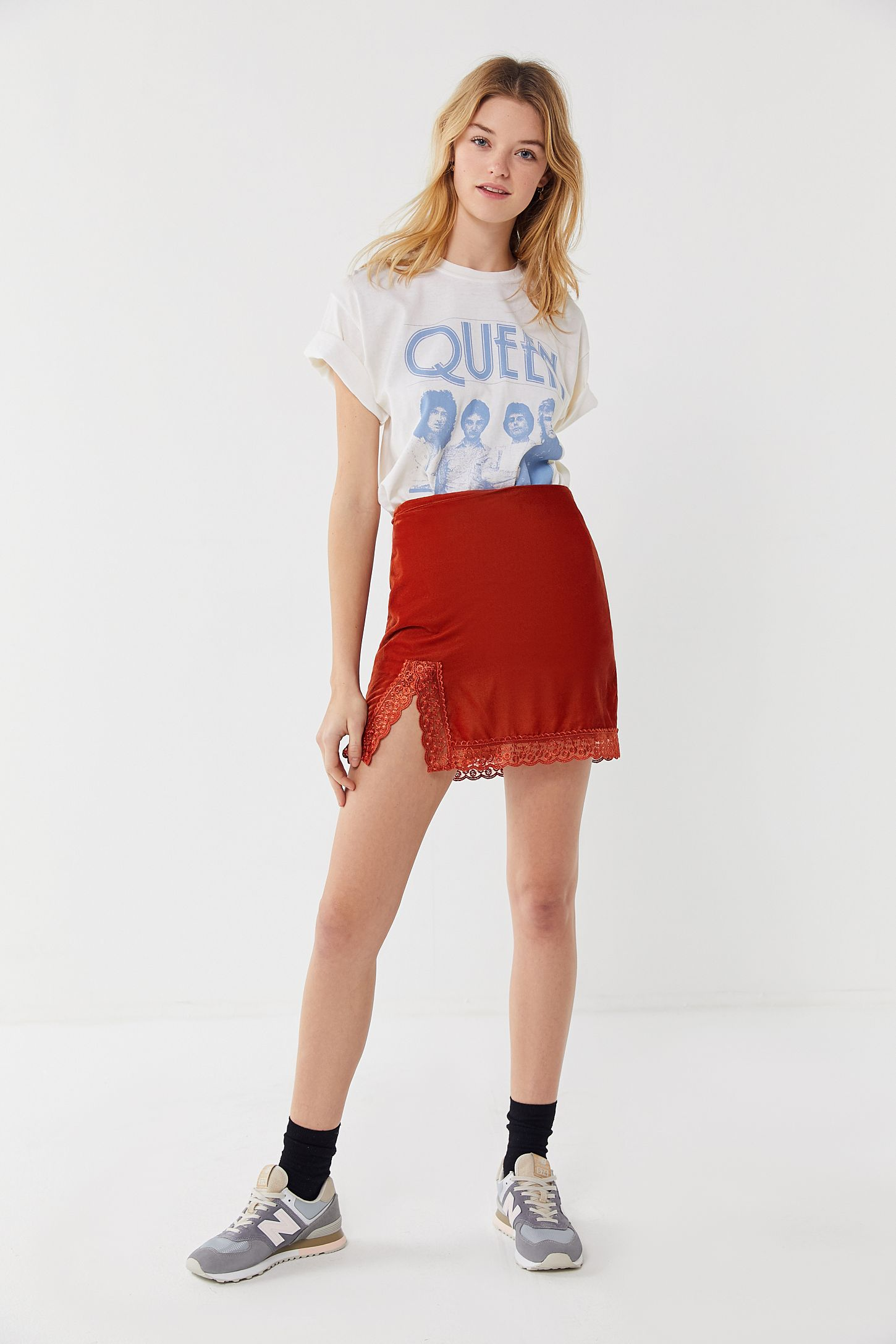 b427592e Queen Band Tee | Urban Outfitters