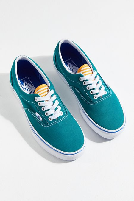 16b99ee15f2102 Vans Era Deck Club Sneaker