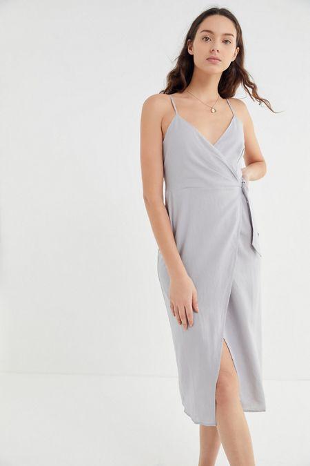 f9a67fcfced UO Quebec Linen Side-Tie Midi Wrap Dress