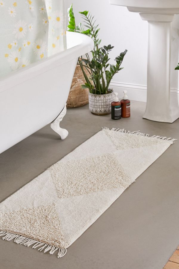 Slide View: 2: Looped Geo Runner Bath Mat