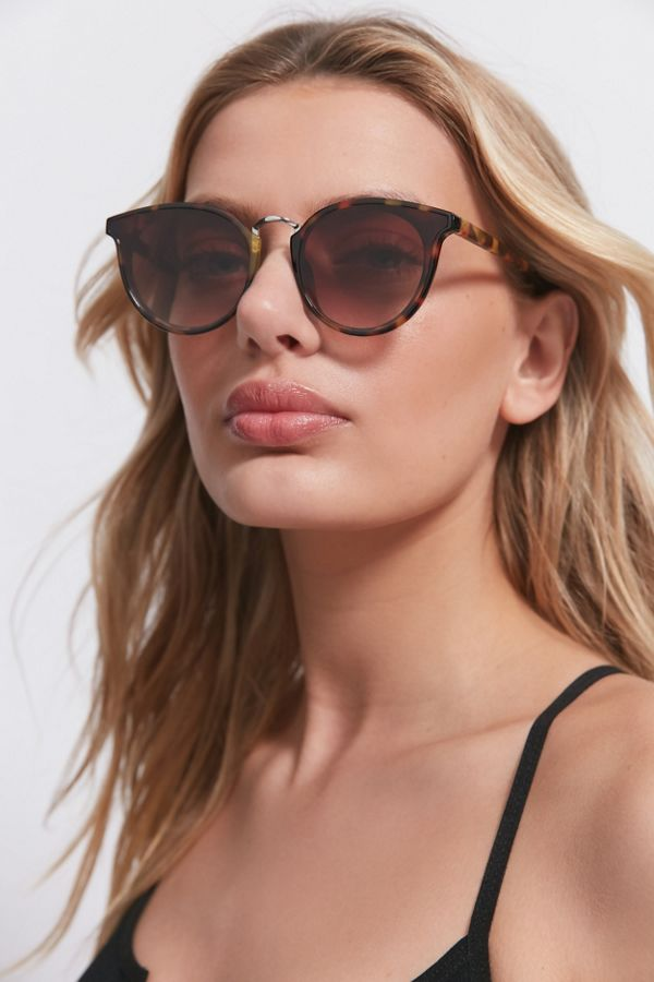 Maeve Round Sunglasses by Urban Outfitters