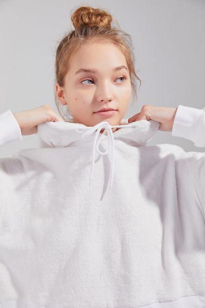 UO Canyon Fleece Cropped Hoodie Sweatshirt