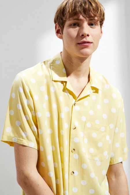 06e2a7e40a5 UO Bold Dot Rayon Short Sleeve Button-Down Shirt