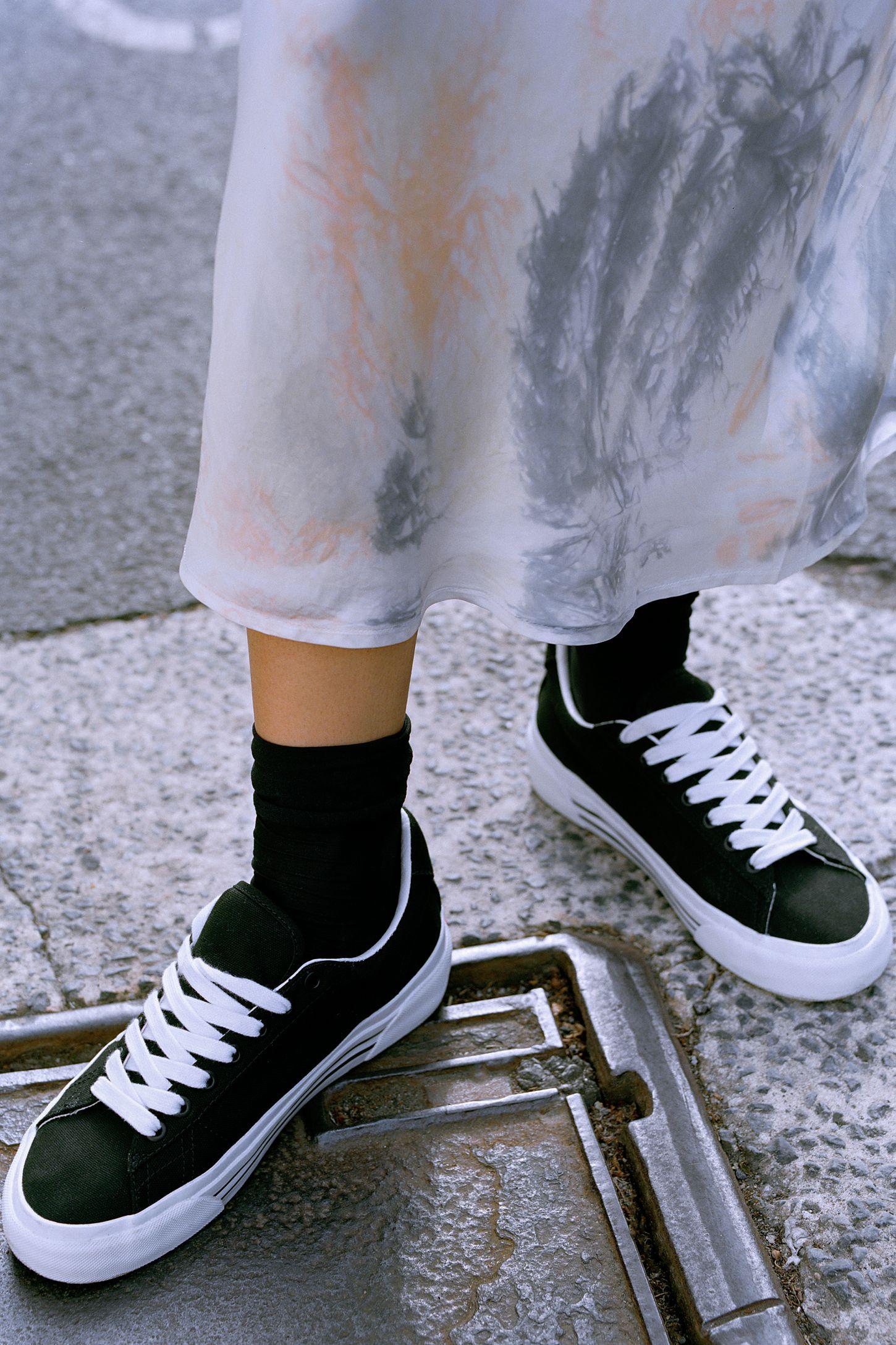 Staple Sid Ni Handle på Vans  Urban Outfitters
