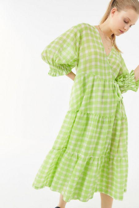 86479b6db0b0 UO Donatella Crinkle Tiered Ruffle Wrap Dress
