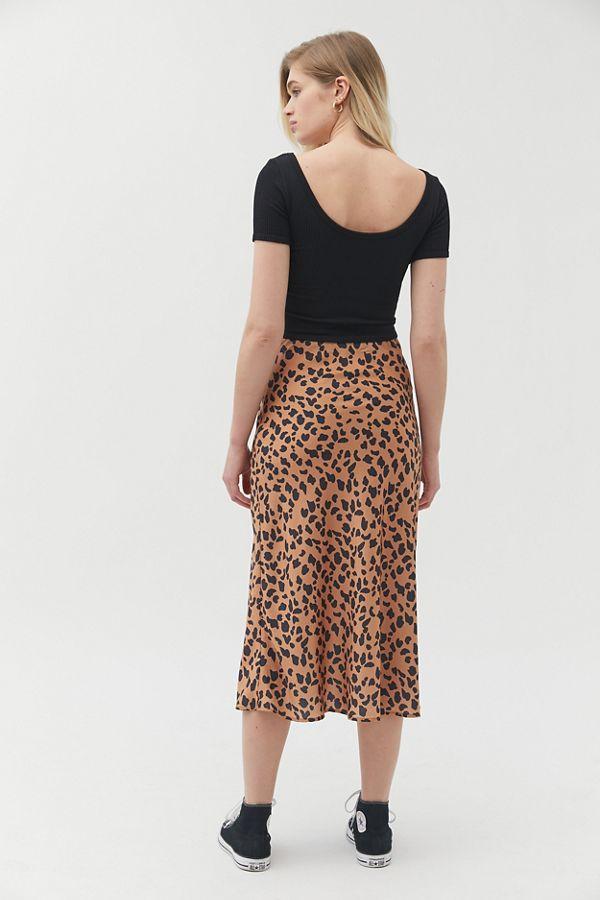 6530302e6ce2 Slide View  3  UO Rowan Leopard Print Satin Slip Skirt
