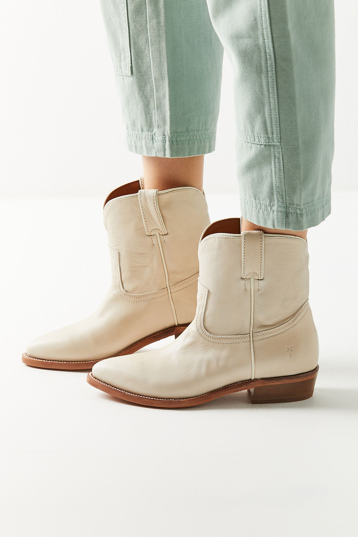 bd9b1d02eb3ed Frye Billy Short Boot | Urban Outfitters