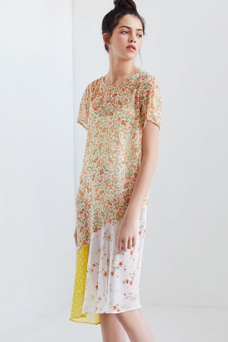 0b2d2bcfe1 UO Chiffon Floral Mix Midi Dress
