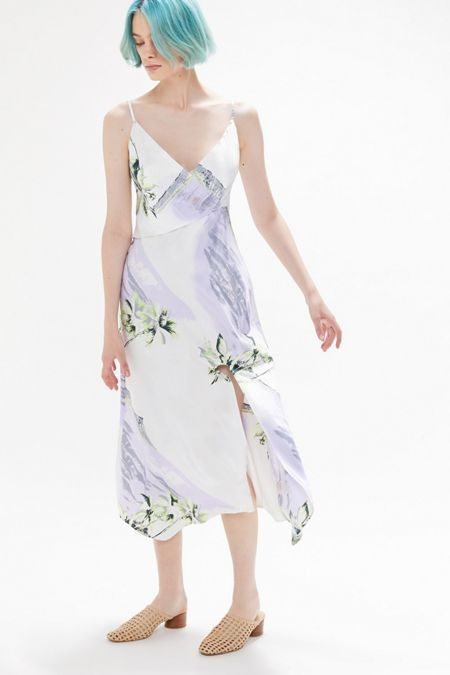 Dresses + Rompers on Sale   Urban Outfitters