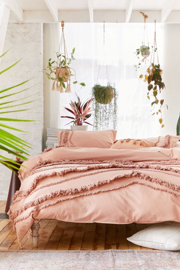 Slide View: 1: Flaunt Tufted Duvet Cover