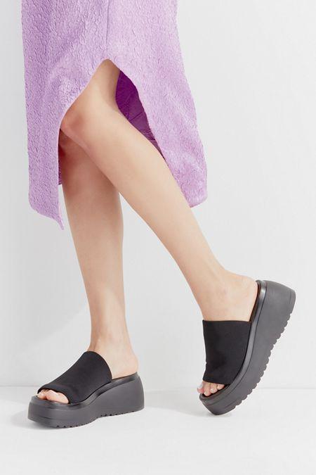 8fae1fc4f0f6 Steve Madden UO Exclusive Slinky Platform Sandal