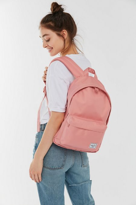 4a2d313e4 Herschel Supply Co. UO Exclusive Classic Mid-Volume Light Backpack