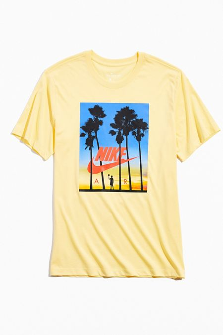 Graphic T-Shirts + Sweatshirts for Men   Urban Outfitters