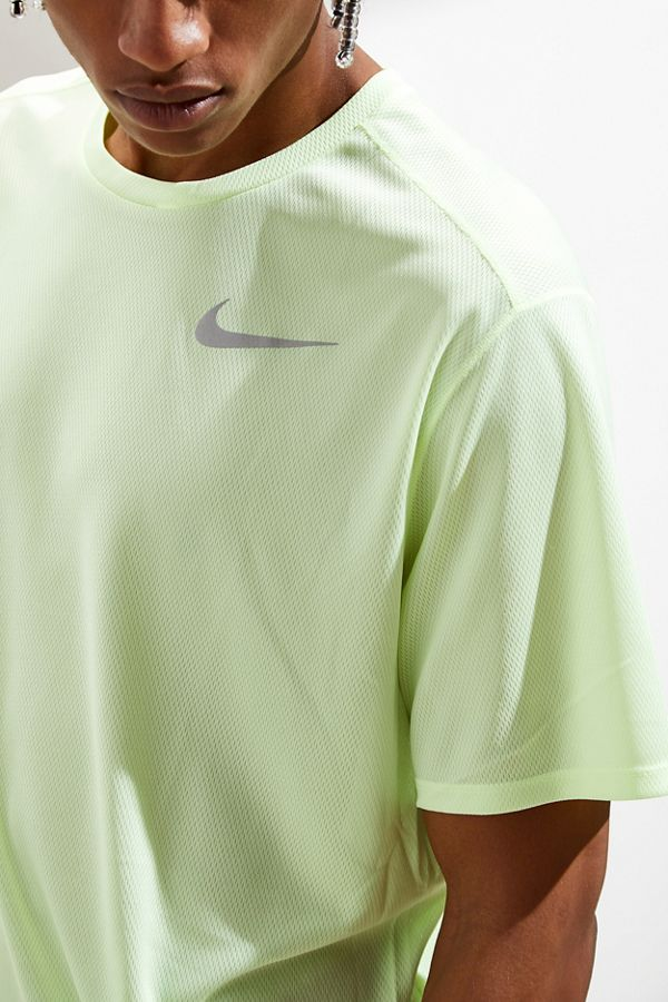 finest selection f594b e8a8b Slide View  1  Nike Dri-FIT Breathe 365 Running Tee